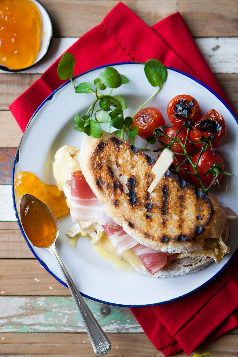 Rustic toastie with griddled tomatoes