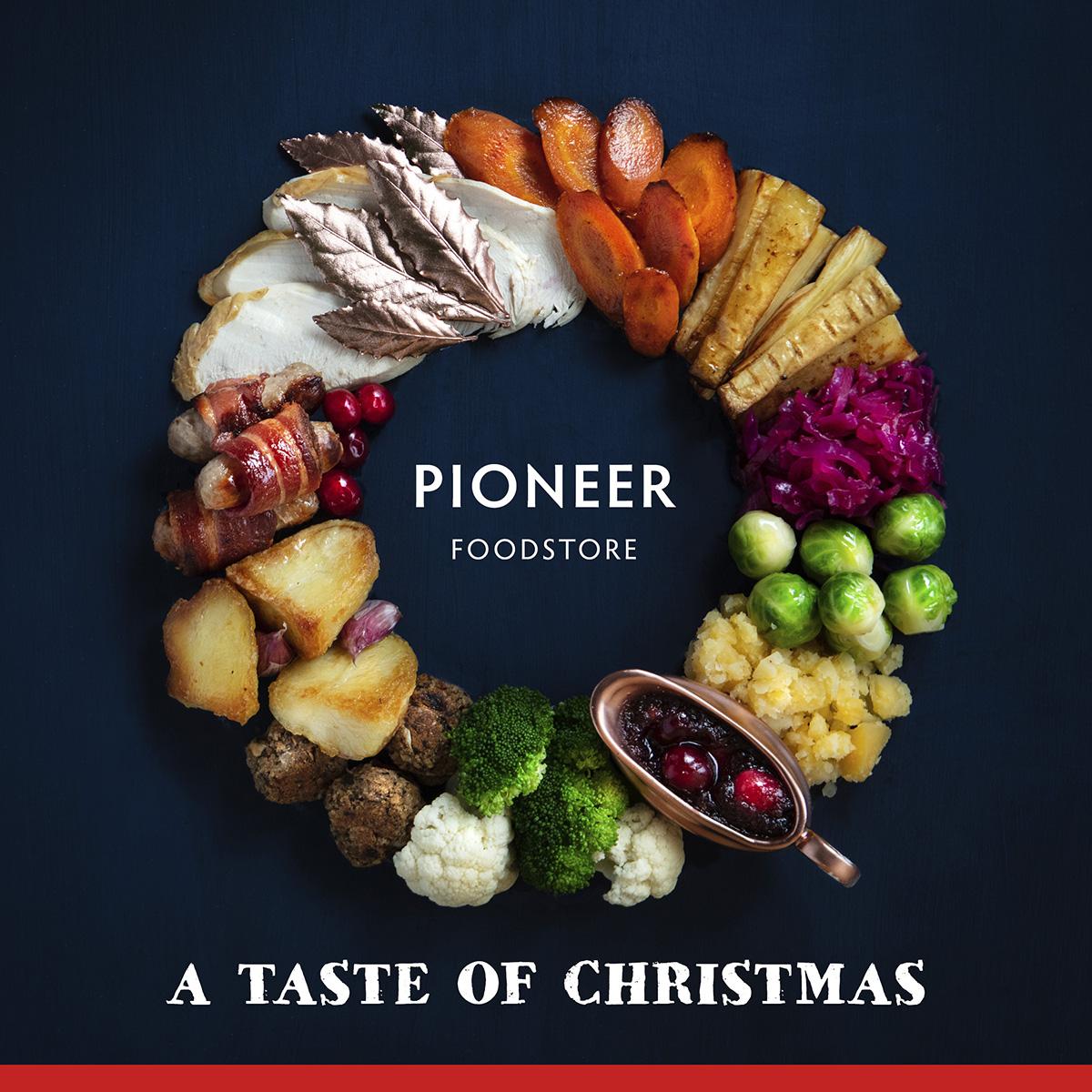 Christmas Dinner Wreath